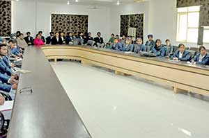 "Dept of ECE Organized Guest Lecture on ""Nanoscale Semiconductor Devices for VLSI Design"""